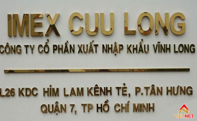 bảng hiệu công ty bằng inox