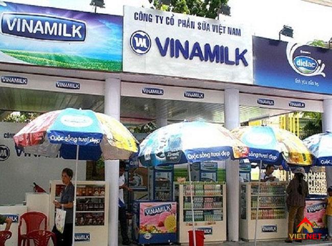 Bảng hiệu cửa hàng sữa