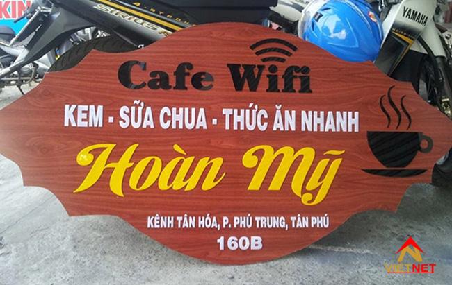 bảng hiệu quảng cáo gỗ