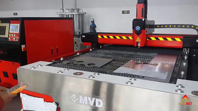 cắt laser giá rẻ