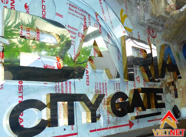 gia cong chu inox baria city gate