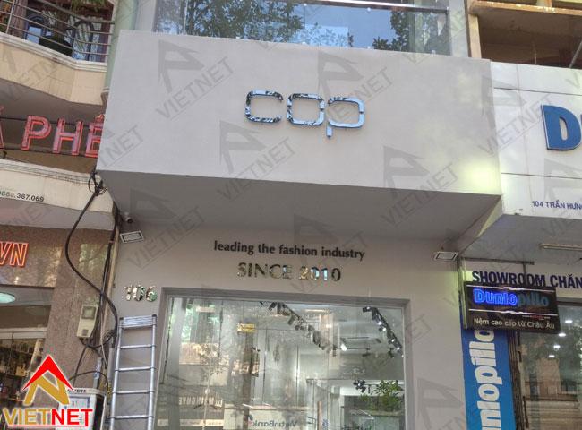 chu-inox-den-shop-thoi-trang-COP-2