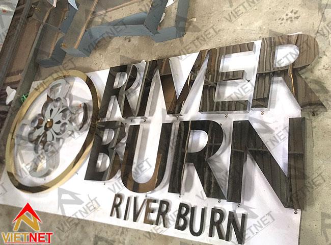 chu-inox-trang-river-burn