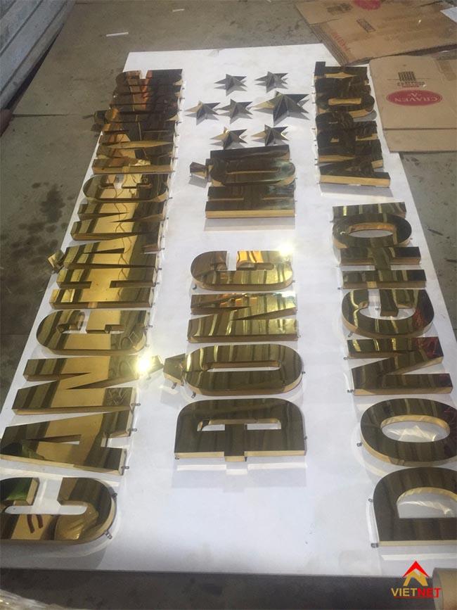 Chữ inox vàng cảng hàng không đồng hới
