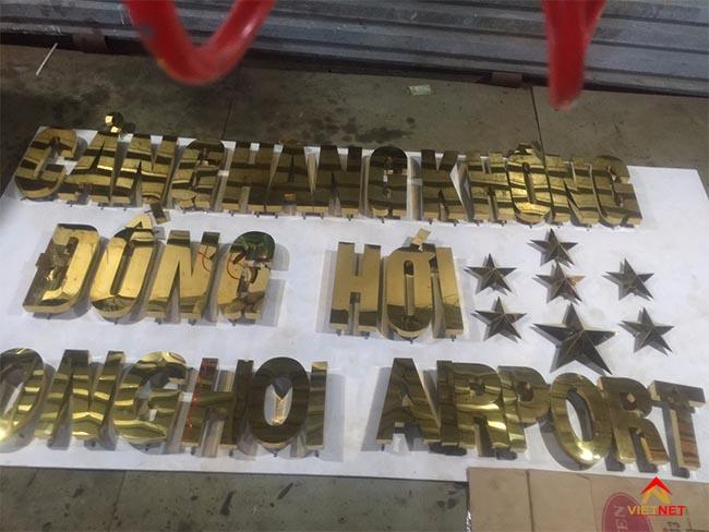 Chữ inox vàng cảng hàng không đồng hới 2