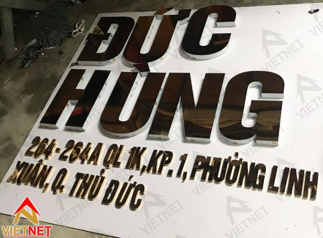 chu-inox-vang-duc-hung