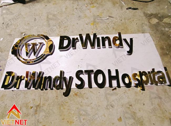 chu-inox-vang-guong-benh-vien-Dr-Windy-4