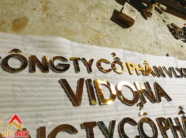 chu-inox-vang-guong-cong-ty-Vidona-4