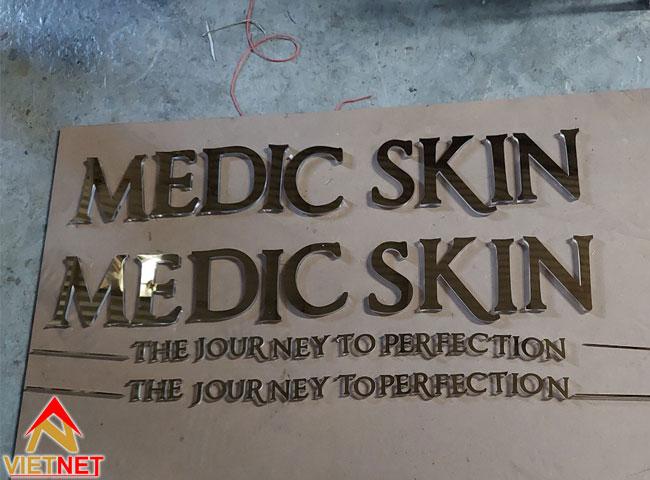 chu-inox-vang-guong-medic-skin-1