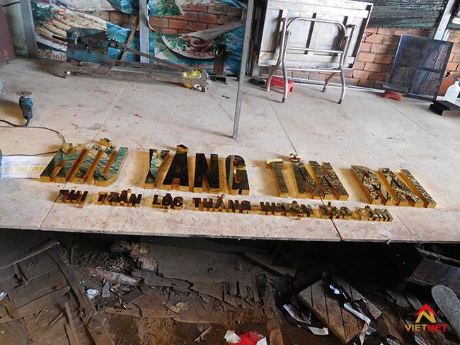 Chữ inox vàng Hìu Yang Tân Rai 1