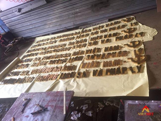 Chữ inox vàng Hoàng Sa Trường Sa
