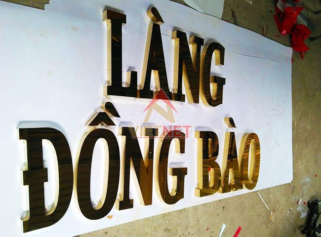 chu inox vang lang dong bao