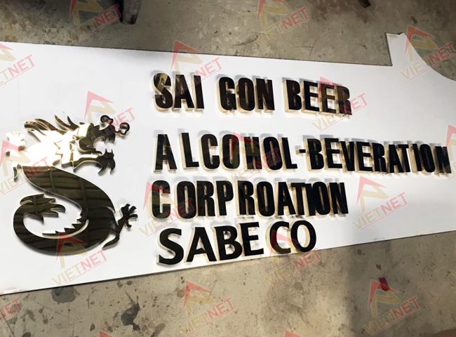 gia-cong-chu-inox-vang-sai-gon-beer