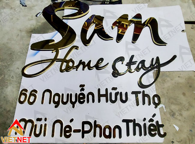 chu-inox-vang-sam-homestay