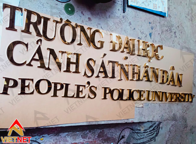chu-inox-vang-truong-dh-canh-sat-nhan-dan