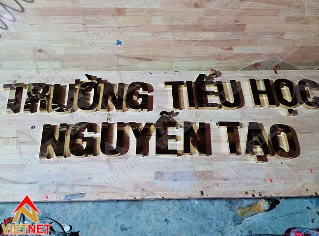 bang-hieu-chu-inox-vang-truong-tieu-hoc-nguyen-tao