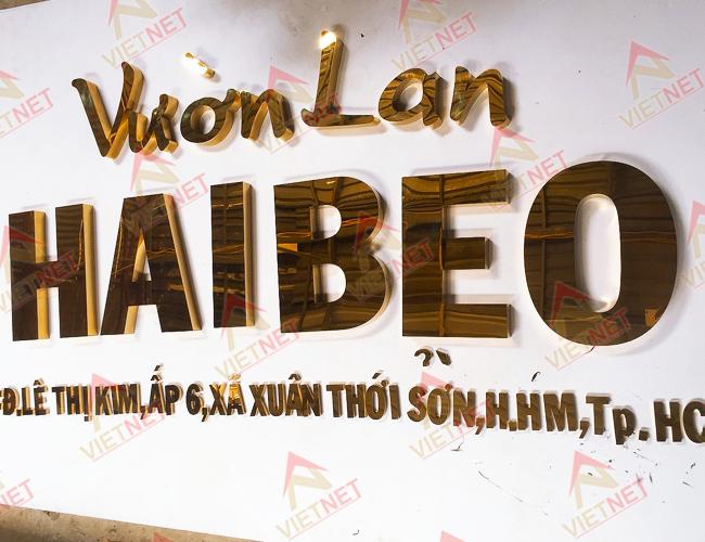 gia-cong-chu-inox-vuon-lan-hai-beo