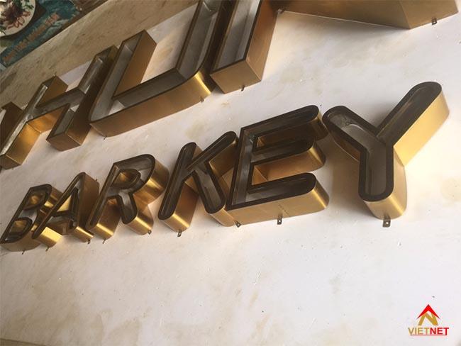 Chữ inox vàng xước Ba Hưng Barkey 3
