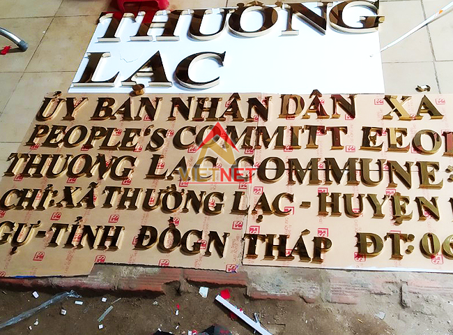 gia cong chu inox ubnd thuong lac