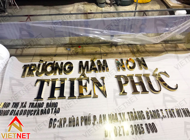 chu-inox-vang-truong-mam-non-thien-phuc