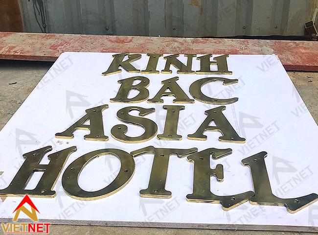gia-cong-chu-noi-dong-kinh-bac-asia-hotel