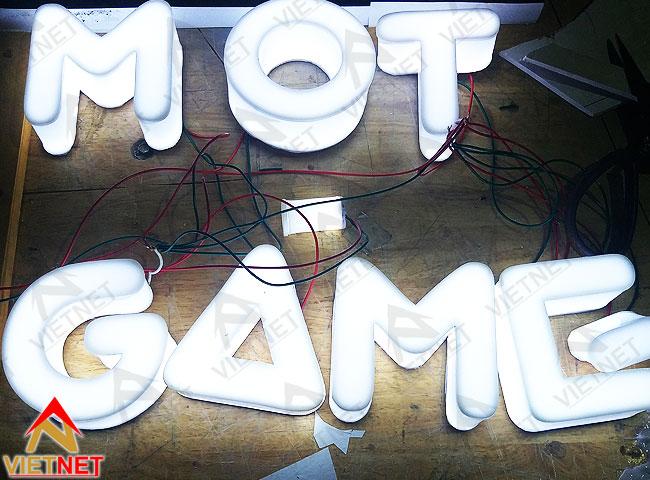 gia-cong-chu-noi-mot-game