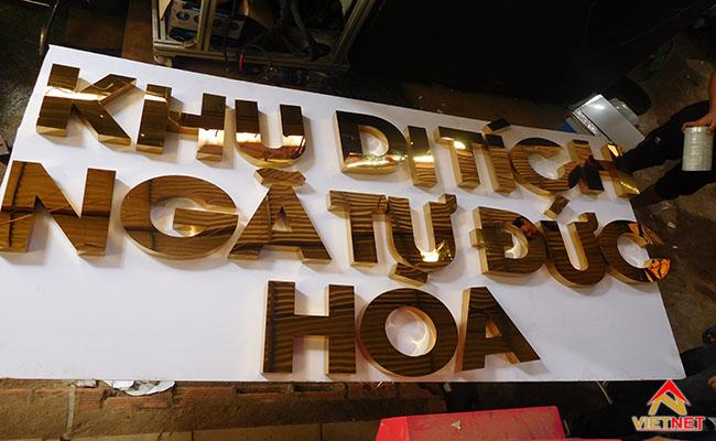 chữ inox vàng bảo tàng