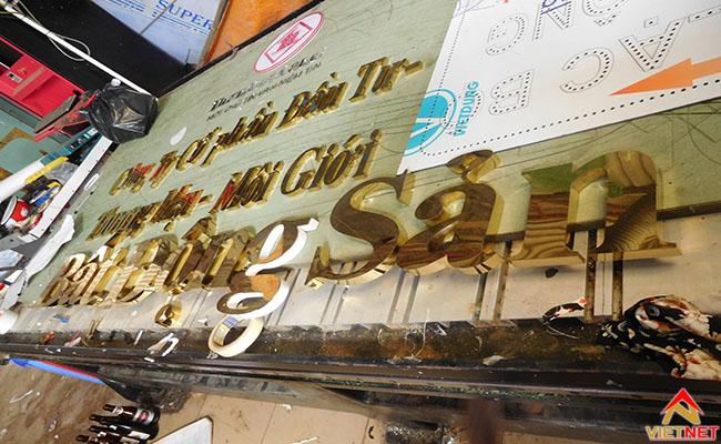 mẫu chữ inox vàng bat dong san