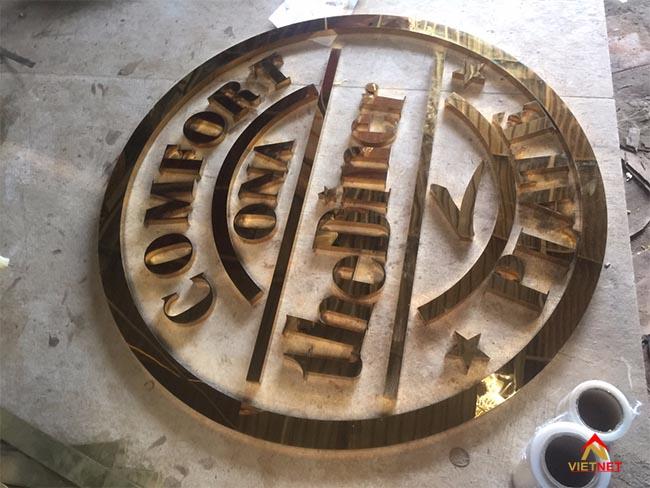 logo inox vàng comfort