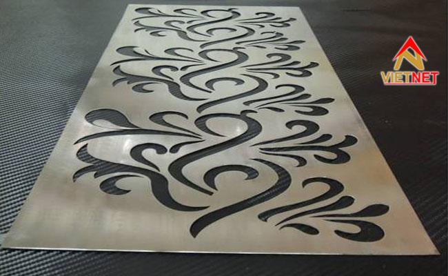 cắt tấm kim loại hoa văn phức tạp