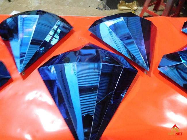 Viên kim cương inox xanh 2